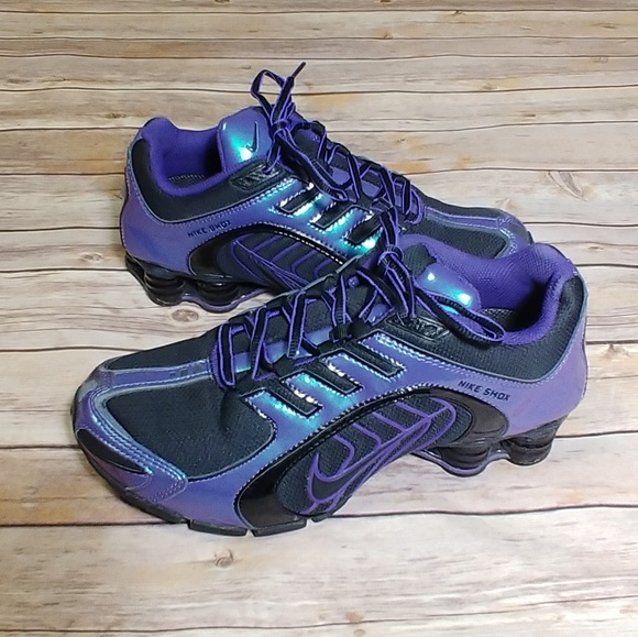 4af1e8a3fa55 Nike Shox Purple Blue Iridescent Running Shoes. M 5ad933a0daa8f62fd1b65092